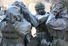 images form the web 'banked' for later! Hazmat Suit, Apocalypse Art, Emergency Response, Character Costumes, Rain Wear, Call Of Duty, Cool Photos, Gas Masks, Military