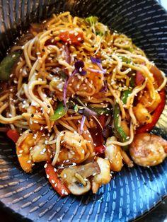 Prawn noodle stir fry @cape town Fish market