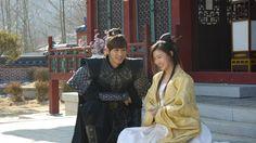 JinYi Han and Ha Ji Won, behind the scene of Empress Ki. Korean Actresses, Korean Actors, My Secret Hotel, Jin Yi Han, Ji Chang Wook Photoshoot, Baek Jin Hee, Korean Drama Movies, Korean Dramas, Kdrama