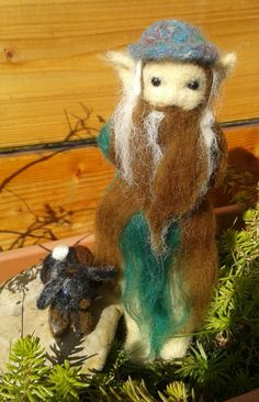 Wald elf / Forest elf needle felted