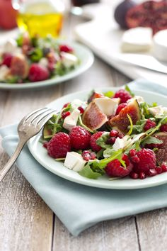 Figs and raspberries salad with goat cheese by The Black Milk