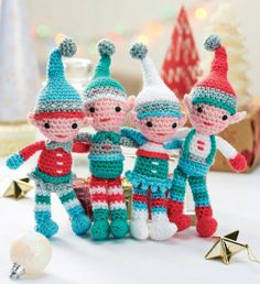 2000 Free Amigurumi Patterns: A family of crocheted Christmas elves