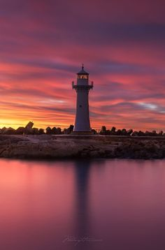 AWESOME sunrise this morning. Nature sure is a spectacular thing! Wollongong Breakwater Lighthouse, also known as Wollongong Harbour. Wollongong Australia, Life Is Beautiful, Beautiful Places, Costa, Land Of Oz, Australia Travel, Nice View, Scenery, Around The Worlds