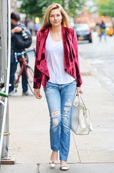 Jessica Hart in vintage Levi's and a bright blazer, via @WhoWhatWear.