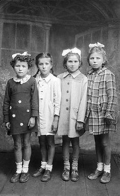 +~+~ Vintage Photograph ~+~+  Four adorable siblings