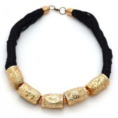 Collar Dorado    Compra tus accesorios desde la comodidad de tu casa u oficina en www.dulceencanto.com #accesorios #accessories #aretes #earrings #collares #necklaces #pulseras #bracelets #bolsos #bags #bisuteria #jewelry #medellin #colombia #moda #fashion