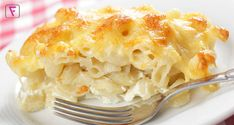 Slow cooker mac and cheese: this recipe resulted in the best mac and cheese ever. Even James liked it! Slow Cooker Mac N Cheese Recipe, Macaroni Cheese Recipes, Slow Cooker Recipes, Crockpot Recipes, Cooking Recipes, Cooking Dishes, Baked Macaroni, Budget Recipes, Pasta Recipes