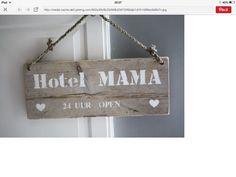 Hotel mama!