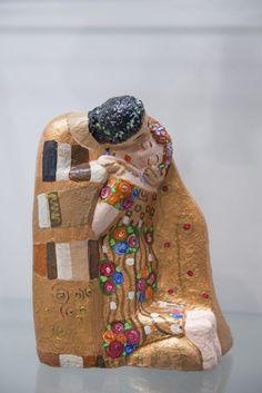 Manufatti artigianali realizzati con amore e cura per i dettagli! #ilbacio #colori #regalinatale