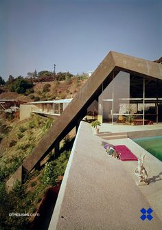 """John Lautner /// Sheats-Goldstein Residence /// Beverly Hills, California, USA /// OfHouses guest curated by Raphael Zuber: """"Maybe the House I would most love to live in. Classical Architecture, Architecture Design, Modern Minimalist, Mid-century Modern, Modern Houses, John Lautner, Sustainable City, Lebbeus Woods, Interior Design Sketches"""
