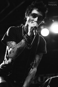 Remington Leith of Palaye Royale // Emo Bands, Music Bands, Rock Bands, Emerson Barrett, Andy Black, Dominique, Band Memes, Rock Music, Live Music