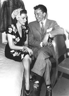 hollywood golden age Frank Sinatra and Judy Garland Old Hollywood Stars, Old Hollywood Glamour, Golden Age Of Hollywood, Vintage Hollywood, Classic Hollywood, Hollywood Images, Judy Garland, Catherine Deneuve, Sean Penn