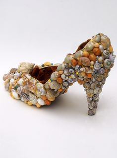 Mosaic Gallery ~ Shell shoe this would make an adorable little planter
