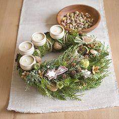Christmas wreath  http://www.sashe.sk/Pipistrela/detail/prirodny-adventny-veniec-3