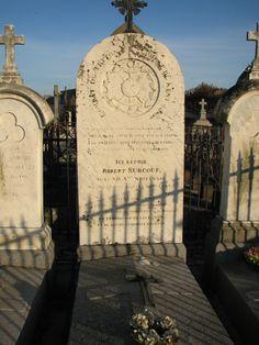 http://upload.wikimedia.org/wikipedia/commons/8/81/Robert_Surcouf_grave.jpg