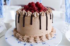 Grandma Birthday Cakes, Grandma Cake, Grandma Cookies, Roy Fares, Chocolate Raspberry Cake, Cookie Box, Dessert Recipes, Desserts, Afternoon Tea