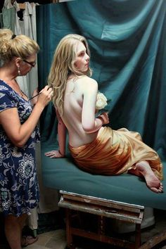 Christiane Vleugels is a talented Traditional Artist from Belgium. Her giant Hyper realistic paintings seem to tell a story and invite you in for the experience. Christiane's interest in art Hyperrealistic Art, Hyper Realistic Paintings, Atelier D Art, White Peonies, Realism Art, Magazine Art, Art Studios, Gallery, Photography