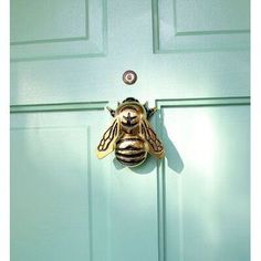 Home Decoration Ideas For Ganpati bumble bee door knocker.Home Decoration Ideas For Ganpati bumble bee door knocker Brass Door Knocker, Door Knobs And Knockers, Joss Y Main, Bees Knees, Home And Deco, Home Design, Design Crafts, Design Ideas, Interior Design