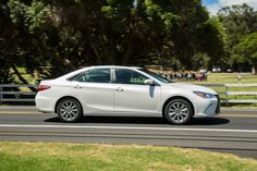 10 Fabulous 2015 Toyota Camry XLE  White Picture