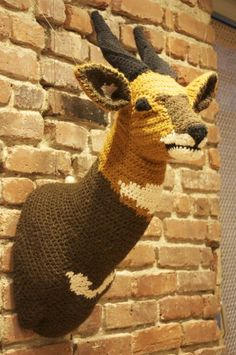 """One of three life-size crochet """"taxidermy"""" pieces Nathan Vincent made as artist-in-residence at Lion Brand Yarn -- um, how do I get to be one of their official artists? Crochet Taxidermy, Crochet Deer, Faux Taxidermy, Crochet Home, Crochet Animals, Lion Brand Yarn Studio, Crochet Wall Art, Knit Art, Easy Crafts For Teens"""