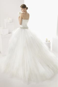 2014 Sweetheart Ball Gown Wedding Dress Floor Length Tulle With Beads And Applique
