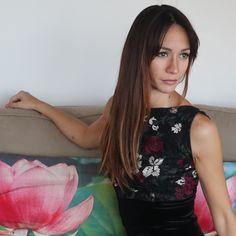 Embroidered tulle & soft velvet. More tango dresses on our online shop www.malvontango.com 🌹 Tango Dress, Cool Designs, Tulle, Feminine, Velvet, T Shirts For Women, Elegant, Skirts, Clothes