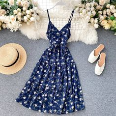 Lucuna Spaghetti Strap Floral Print Midi A-Line Dress Casual Dresses, Fashion Dresses, Summer Dresses, Boho Dress, Dress Up, Floral Vintage, Dress Collection, Pretty Dresses, Vintage Dresses
