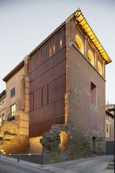 Refurbishment of west tower in Huesca City, Spain