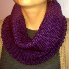 She's Hooked - Easy Crochet Cowl Scarves with Pattern and Yarn reviews