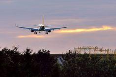 #Airplane #Plane #PlaneSpotting #AirportGdansk #Airport ; photo: Andrzej Byczkowski