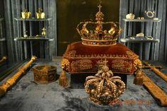 Residenz Royal Palace: Royal Crowns