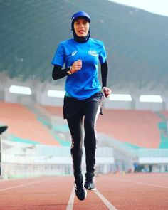 Hijab Sportswear, How To Improve Running, Improve Yourself, Make It Yourself, Science, Sport Outfits, Are You Happy, Sporty, Health