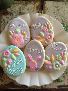 Easter Cupcakes and Cookies, Cupcakes e Cookies de Páscoa, Happy Easter,Eats, Sweets No Egg Cookies, Galletas Cookies, Fancy Cookies, Iced Cookies, Easter Cookies, Royal Icing Cookies, Easter Treats, Cookies Et Biscuits, Holiday Cookies