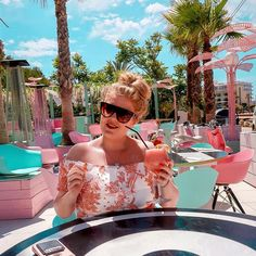 7 Restaurants & Bars Where You'll Want To Eat In Ibiza - Food & Travel Guide Cafe Mambo, Stephanie Fox, Newcastle Airport, San Antonio Bay, Ibiza Travel, Beach Color, Travel Guide, Travel Ideas, Enjoying The Sun