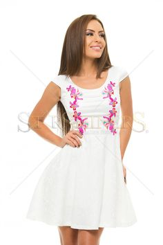 StarShinerS Brodata Precious White Dress Law Of Love, Nicholas Sparks, Embroidery Dress, Clothing Items, White Dress, Pure Products, How To Wear, Outfits, Clothes