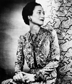 Wallis Simpson Photographed by Louise Dahl-Wolfe in 1947, wearing a paisley pattern dress designed by Mainbocher.