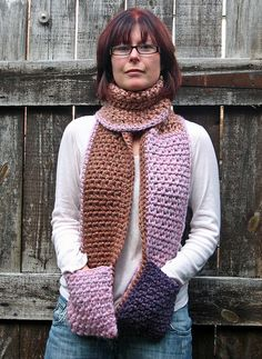 scarf with pockets by Hooked Yarn, via Flickr