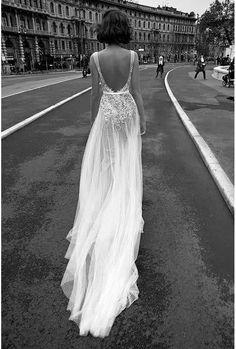Mariage : 50 robes dos nu repérées sur Pinterest