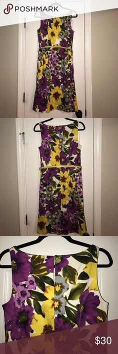 Nine West Floral Dress with yellow belt Adorable floral dress by Nine West! Size 10. Includes yellow belt. Nine West Dresses Midi