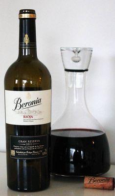 Kuukauden uutuusviini 11/20: Beronia Gran Reserva 2011, Rioja, Espanja Alcohol Aesthetic, Red Wine, Alcoholic Drinks, Glass, Food, Wine, Wine Cellars, Drinkware, Corning Glass