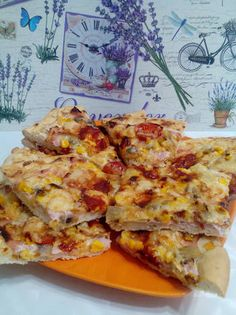 Ropogós pizza🍕🍕🍕 Ketchup, Erika, Lasagna, Quiche, Breakfast, Ethnic Recipes, Food, Morning Coffee, Essen