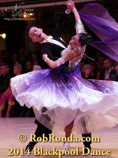 社交ダンスウェアNiniDance:D315シルバーボディに紫白グラデーションのモダンドレス