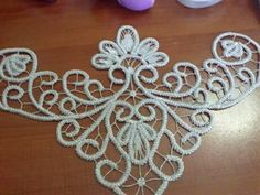 This Pin was discovered by Muh Freeform Crochet, Irish Crochet, Crochet Doilies, Crochet Lace, Vintage Crochet Patterns, Lace Patterns, Couture Beading, Romanian Lace, Wedding Shoes Bride