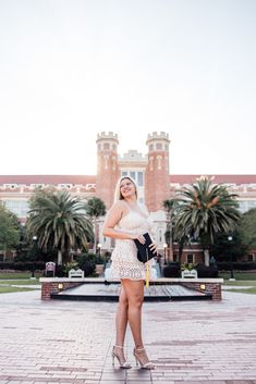 Graduation Photos at Florida State University Graduation Images, College Graduation Pictures, Graduation Picture Poses, Graduation Photoshoot, Senior Picture Outfits, Grad Pics, Senior Pics, Senior Year, Poses For Pictures