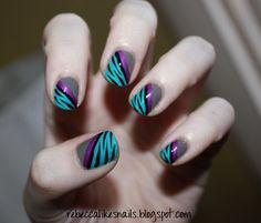 -China Glaze: Recycle  -Revlon: Violet  -LA Colors Color Club: Sea Siren  -La Colors Art Deco: Black  -Seche Vite top coat