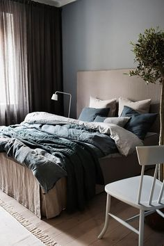 Creating a bedroom of your dreams is possible even without a help of a professional interior designer. In today's post, I want to share several secrets of how to make this room comfortable, functional and restful. Interior, Sanctuary Bedroom, Home Bedroom, Bedroom Interior, Bedding Master Bedroom, Bedroom Inspirations, Bed, Small Bedroom, Bedroom