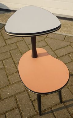 1950's 2 leveled sidetable 2 tone formica rockabilly  www.royalcrown.nl SOLD