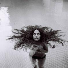 Zara Gusmerini. A Cold Autumn