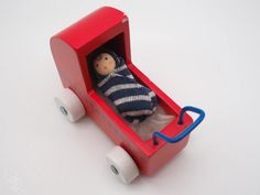 Tiny baby doll   Polly had a Dolly Small Baby Dolls, Advent Calenders, Small World Play, Natural Toys, Child Doll, Miniature Dolls, Organza Bags, Miniatures, Make It Yourself