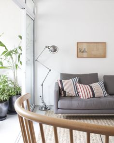 Living room. Ministro Apartment by AMZ Arquitetos.